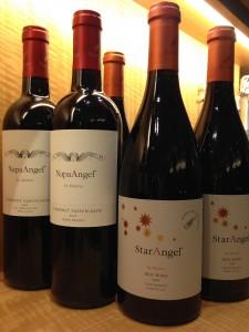カリフォルニアのナパ・ヴァレーとパソ・ロブレスでもワイン造りを始めていました。
