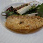 春のランチでしたから、甘鯛が! つけあわせの白い野菜はウド。