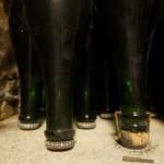 今はすべて王冠ながら、コルク栓で瓶内熟成をしている時代もあった。