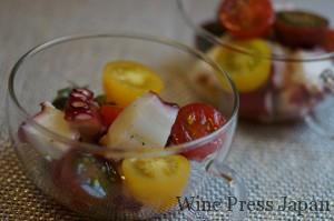 タコとトマトのサラダをシソ・ドレッシングで。