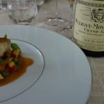 ルイ・ジャドのピュリニー・モンラッシェ1級シャン・ガン1998年も落札されたワインのひとつ。華やかでトースティーな香りと、厚みとコクのある味わい。お料理は「日本海スズキのオーブンや気、オリーブオイルーレモンの香りを付けたジロール茸とインゲン トマトソース」。