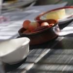 アミューズに、西瓜の漬け物。このページの画像は、五反田のフランス料理店「ヌキテパ」で行われたスティラン夫妻を囲むランチの際のものです。