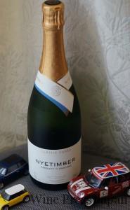 イギリス南部に1988年設立のナイティンバーは、イギリスのスパークリングワインの先駆者です。昨年の宴ではこの2007年が供されました。