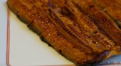 鰻は色々なワインと楽しめる食材ですね。