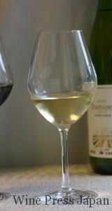 お薦めのブドウ品種はシャルドネ、ソーヴィニヨン・ブラン、リースリングと記されています。若々しい白ワインに合いそうです。