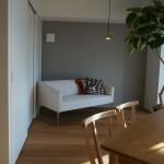 広めのワンルームの設定。ソファーベッドを置くのがよいかも。