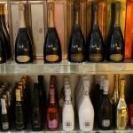 サイズや産地も様々なスパークリングワイン。