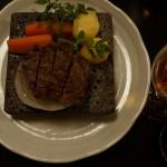 和牛照り焼きステーキ。赤坂「金龍」にて。