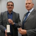 セールス・ディレクターのマルチェロ・ヴィクトリアさん(左)と、ブランド・アンバサダーのイヴゲニー・サキンスキーさん。