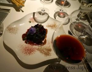 バローロ・カンヌビ・サン・ロレンツォ2004とバローロでブレゼした牛ほほ肉、赤キャベツ