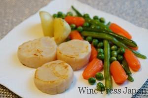「ドゥラモット ミレジメ」に相性のよい帆立貝と蒸し野菜のバターソテー、こんな感じでしょうか。