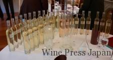 これらのワインをアッサンブラージュしてグランド・キュヴェを作る。