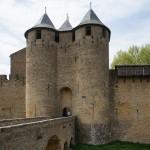 最初に建てられた城内にある城。見学料が必要です。