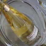 ガラスなどの透明なワインクーラーや器に入れれば、ますます涼しげに♪