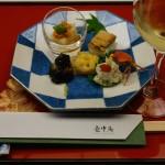 左上が白アスパラガス豆腐、その下が小茄子の素揚げ、中央がコーンの天ぷら。