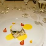 チャレッロは、この「太刀魚、サフランソース」やイベリコ豚の料理がよく合いました。チャレッロは厚みのある味わいで、熟成による香ばしさも出てきているので、白身魚から豚肉までカバーする包容力をもっていました。