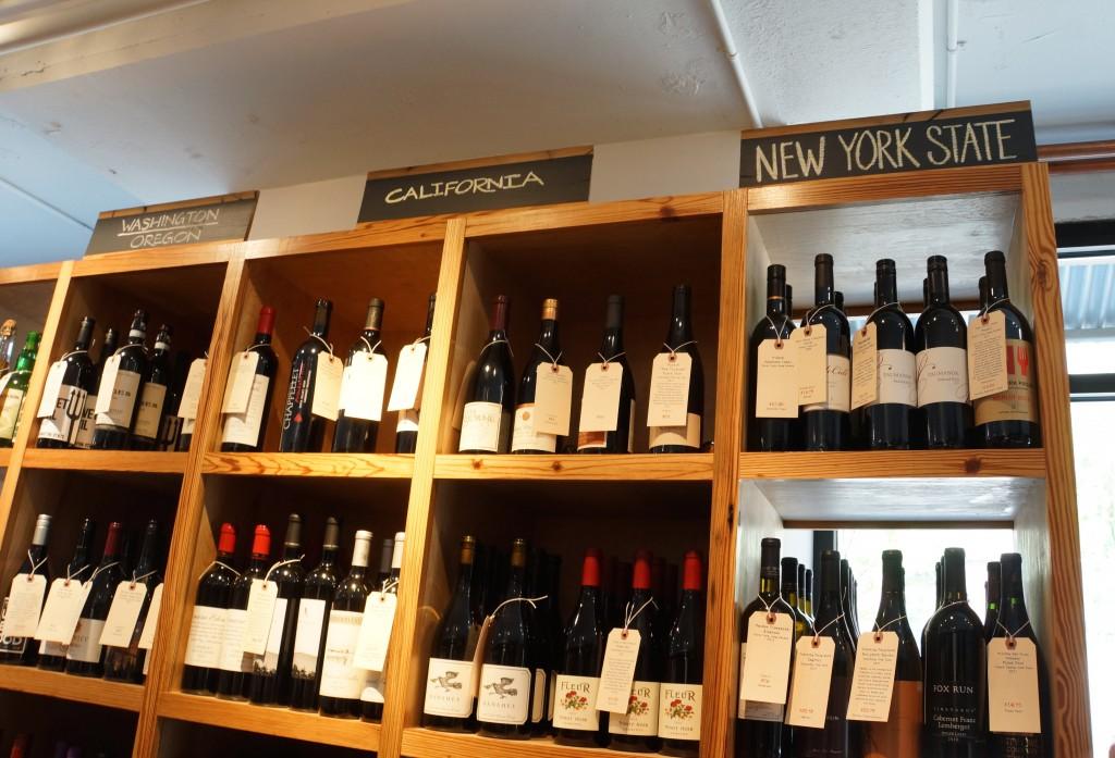 ニューヨーク州ワインがこれだけの幅をとって置かれているのは、さすが地元ならでは。