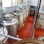重力を利用して収穫から瓶詰めまでを行うグラビティー・フロー・システムを採用。