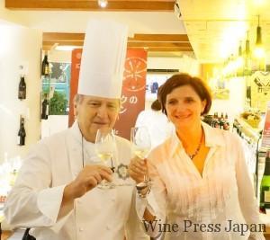 アンドレ・パッションさんと、ラングドックワイン協会のクリスティーヌさん。