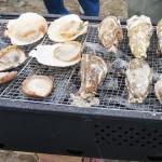 焼き牡蠣も美味!こちらはスイスの白と。