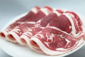 ジンギスカン用の古典的マトン肉「マトンロール肉」。