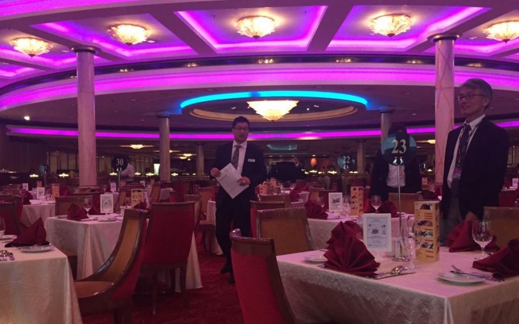 インターナショナル料理、中華料理がいただけるゲンティンパレス レストラン。