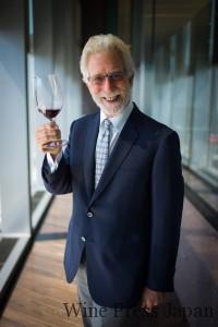 ティム・モンダヴィ。故ロバート・モンダヴィの次男。ロバート・モンダヴィ・ワイナリーで栽培醸造の責任者を務め、オーパス・ワンも2004年まで醸造。チリではセーニャやアルボレーダなどのプロジェクトに携わった。