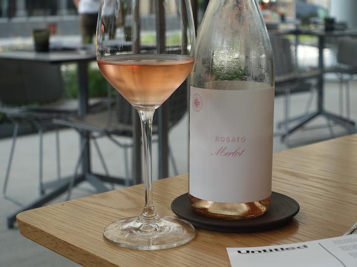Channing daughtersのロゼ、ROSATO。このワイナリーは実験的にイタリアの地品種を植えているのでイタリア語に由来するワイン名が多いとか。