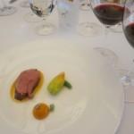 北海道産仔羊 花ズッキーニ、じゃがいも  赤ワインがすすみます。