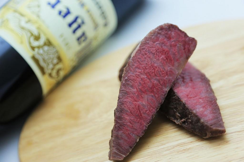 肉のはし切れがあったら試してみて下さい。小さめのお肉でも綺麗に熱が入りますよ。